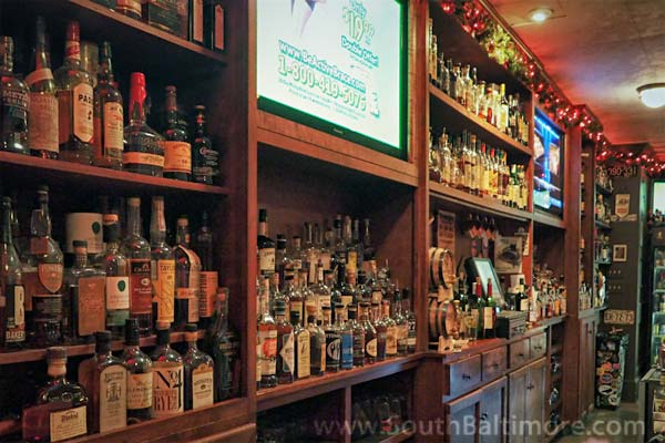 Best Whiskey Bar in Baltimore with Great Pizza, too! - Baltimore Maryland