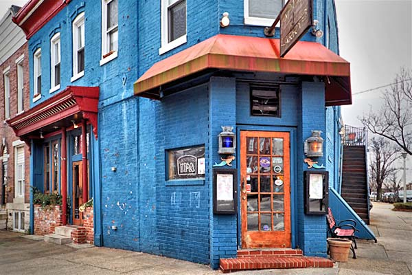 Family-friendly and comfortable neighborhood bar. - Baltimore Maryland